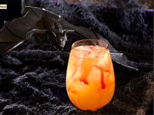 spooky halloween cocktails, cocktails, halloween, bats, halloween cocktails, cocktails